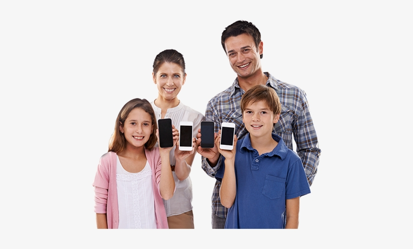 Family Using An R2l On Their Smart Phones Reducing - Family With Cell Phones, transparent png #300