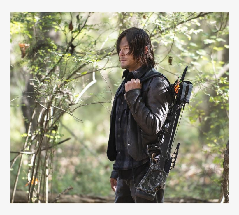 "Daryl Dixon's Crossbow Has Become Synonymous With ""the - Daryl Dixon Season 7 Jacket, transparent png #530940"