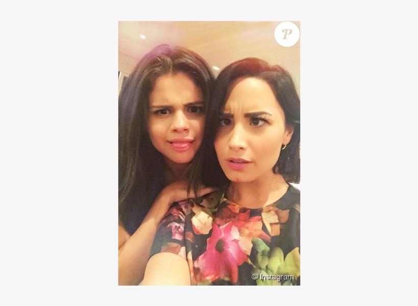 Demi Lovato Et Sa Meilleure Amie Selena Gomez Photo Free Transparent Png Download Pngkey